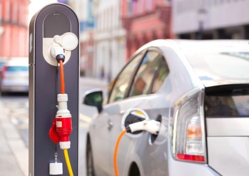 voiture électrique bornes de recharge
